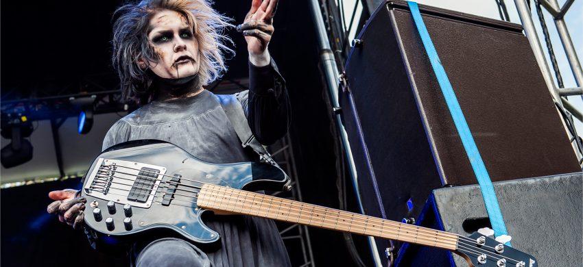 """""""GHOST"""" bajista de Motionless In White abandona la banda después de 7 años."""